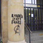 Graffitientfernung auf Sandstein - Säule