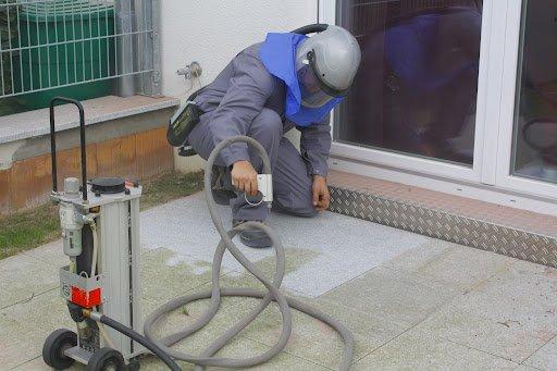 Steinreinigung Bodenplatten Granit Marmor