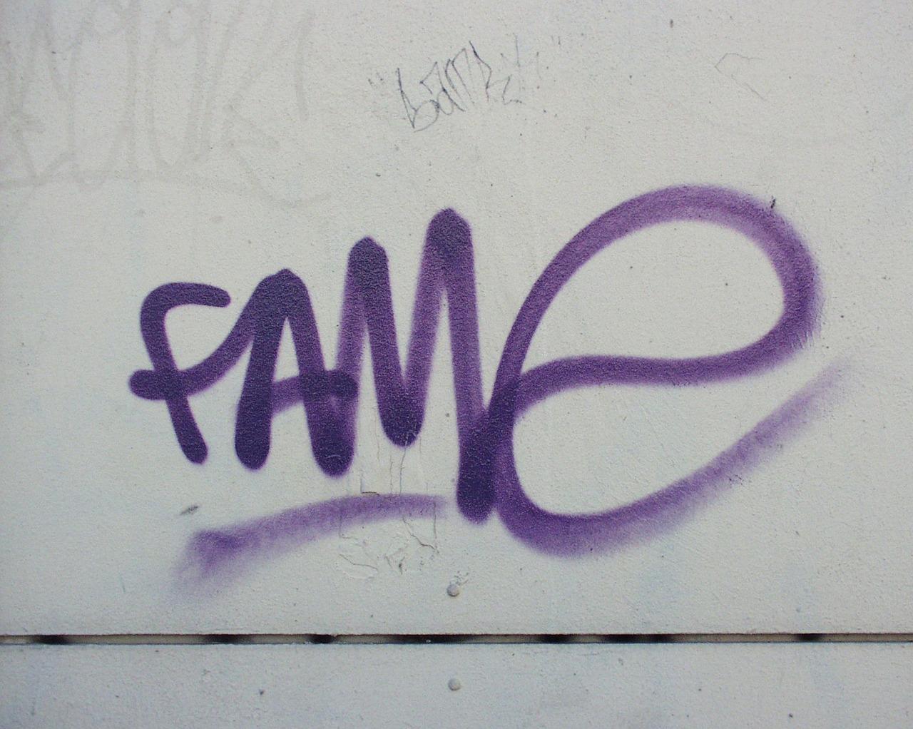 Fassadenreinigung & Graffitientfernung