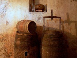 Gewölbekeller renovieren: Neu verfugen, mauern, ausbauen
