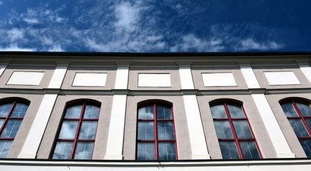 Reinigung und Sanierung großer Fassaden-Flächen
